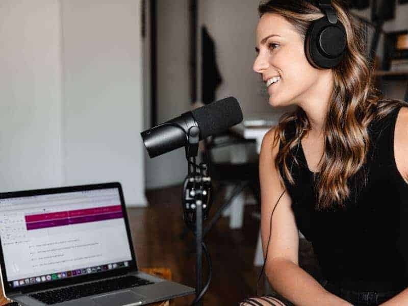 How to Launch Your Podcast for Your Startup or Small Business in 5 Easy Steps
